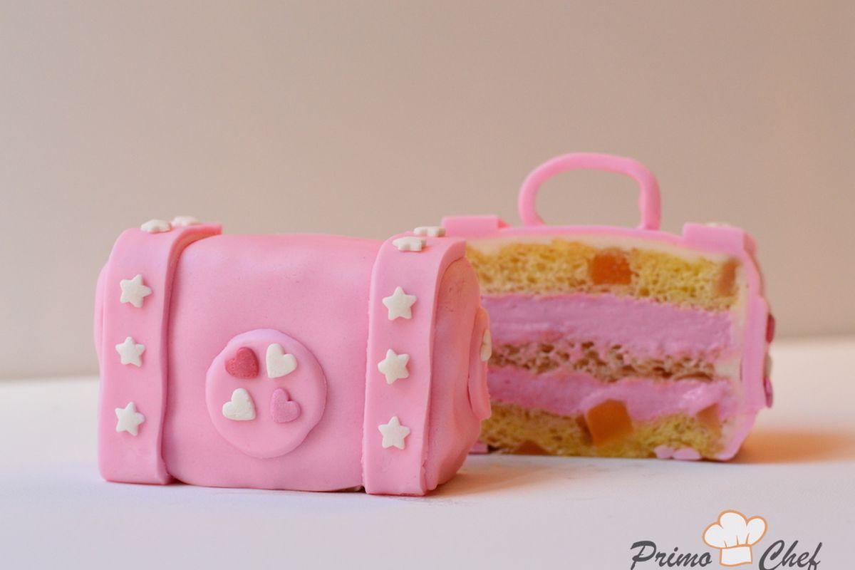 mini cake con mousse alla fragola