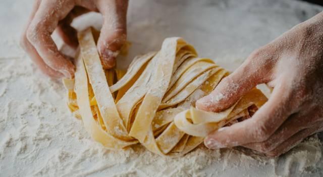 Ecco come fare la pasta fatta in casa (ricetta e consigli infallibili)