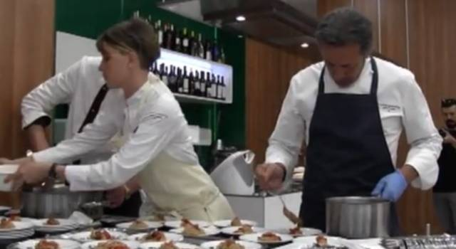 Show cooking d'eccellenza dello chef La Mantia per Alitalia-Etihad – VIDEO