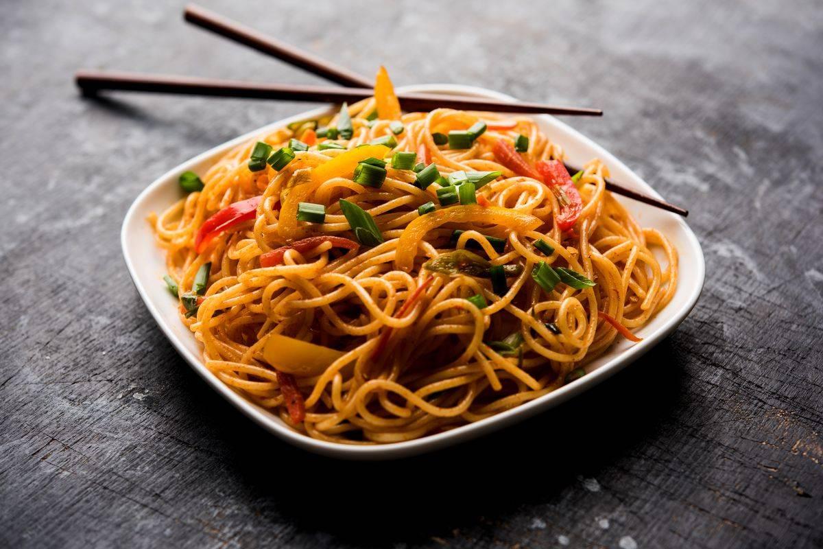 Riceta noodles alle verdure e soia un piatto cinese for Cucinare noodles