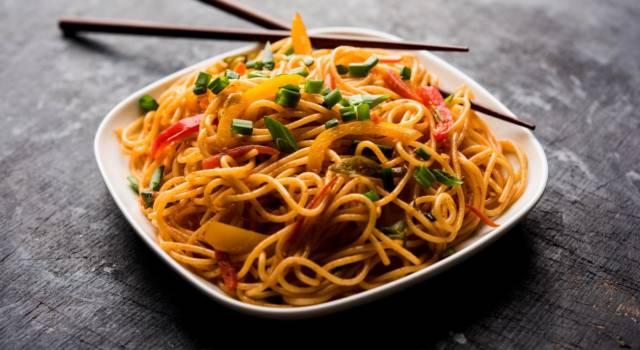 Noodles con verdure e soia: un piatto da leccarsi i baffi!
