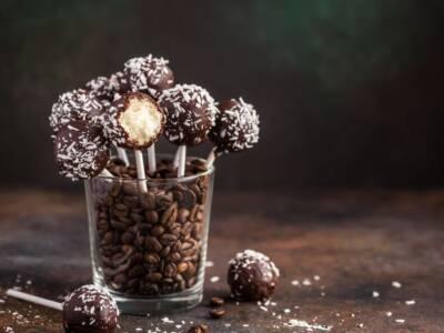 Cake pops: trasformiamo una torta in un lecca lecca