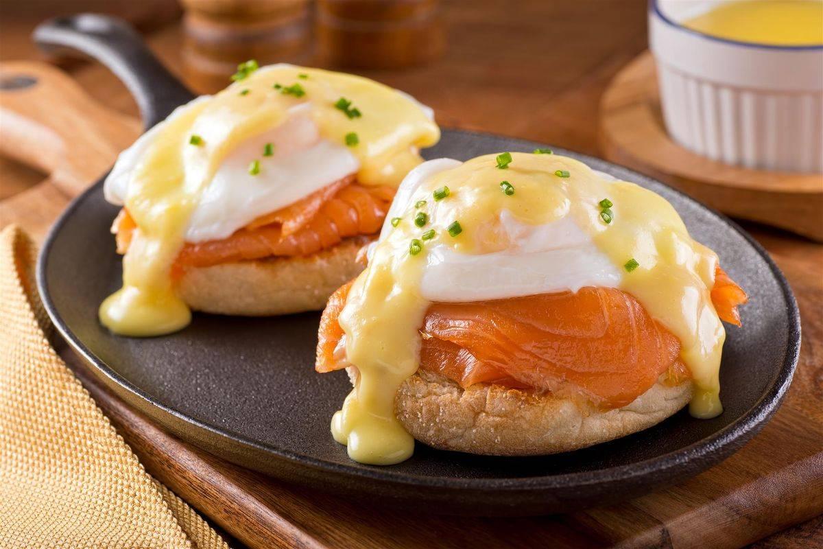 Uova alla benedict con salmone