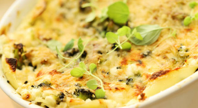 Goduriose lasagne filanti con broccoletti e robiola