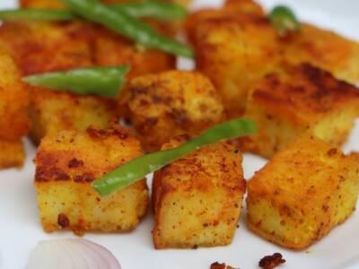 Cubotti di tofu croccante al sesamo e curry con fagiolini lessi