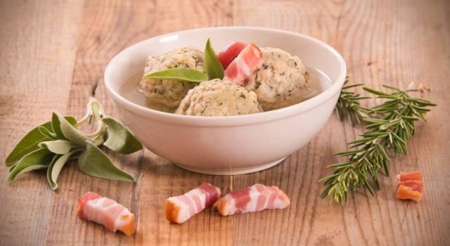 Un piatto di recupero della tradizione tirolese: prepariamo i canederli!