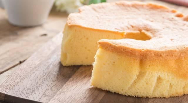 Chiffon cake, il delizioso ciambellone americano sofficissimo