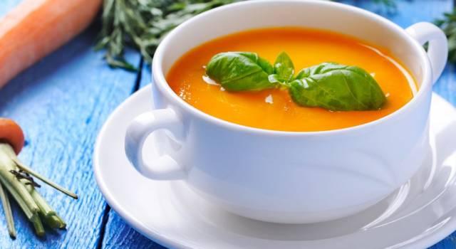 Zuppa detox alle carote: perfetta per tornare in forma