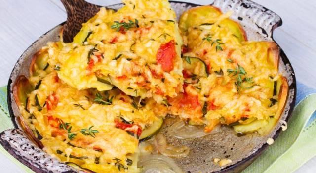 Riso patate e zucchine con pomodori ciliegino al forno