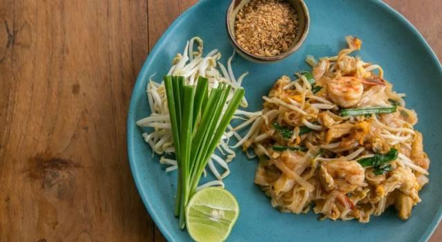 AbsorbPlate: in Thailandia inventano il piatto assorbi-calorie