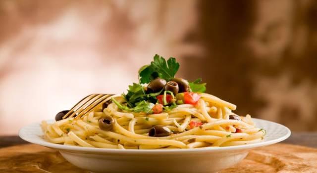Spaghetti all'amatriciana di tonno e cozze