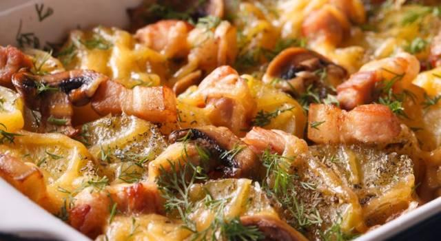 Teglia di calamari, patate e funghi al forno
