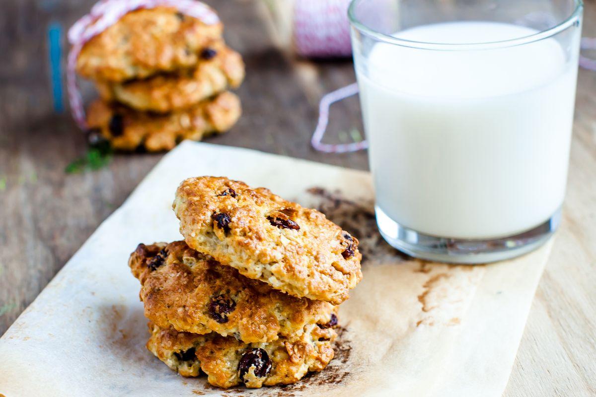 Biscotti di avena e frutti di bosco senza burro