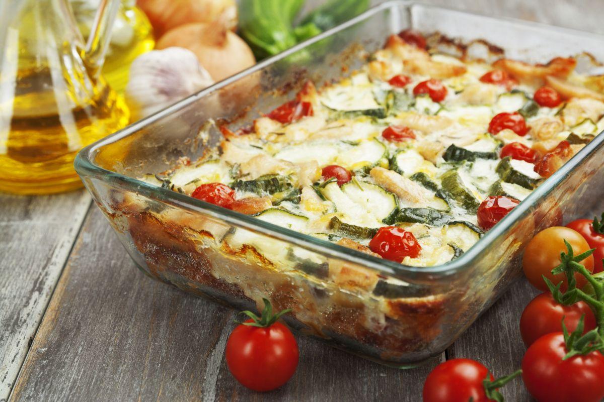 Parmigiana di zucchine grigliate e pomodorini