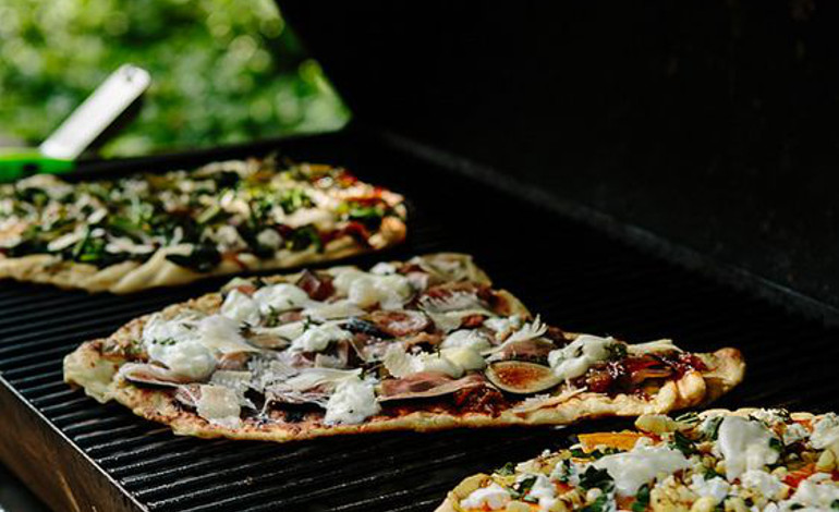 Pizza sul barbecue