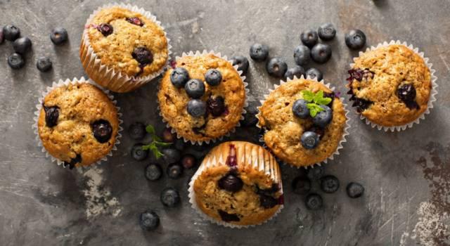 Muffin senza uova ai mirtilli (con zucchero di canna)