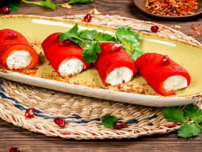 Involtini di peperoni e robiola: da provare come aperitivo