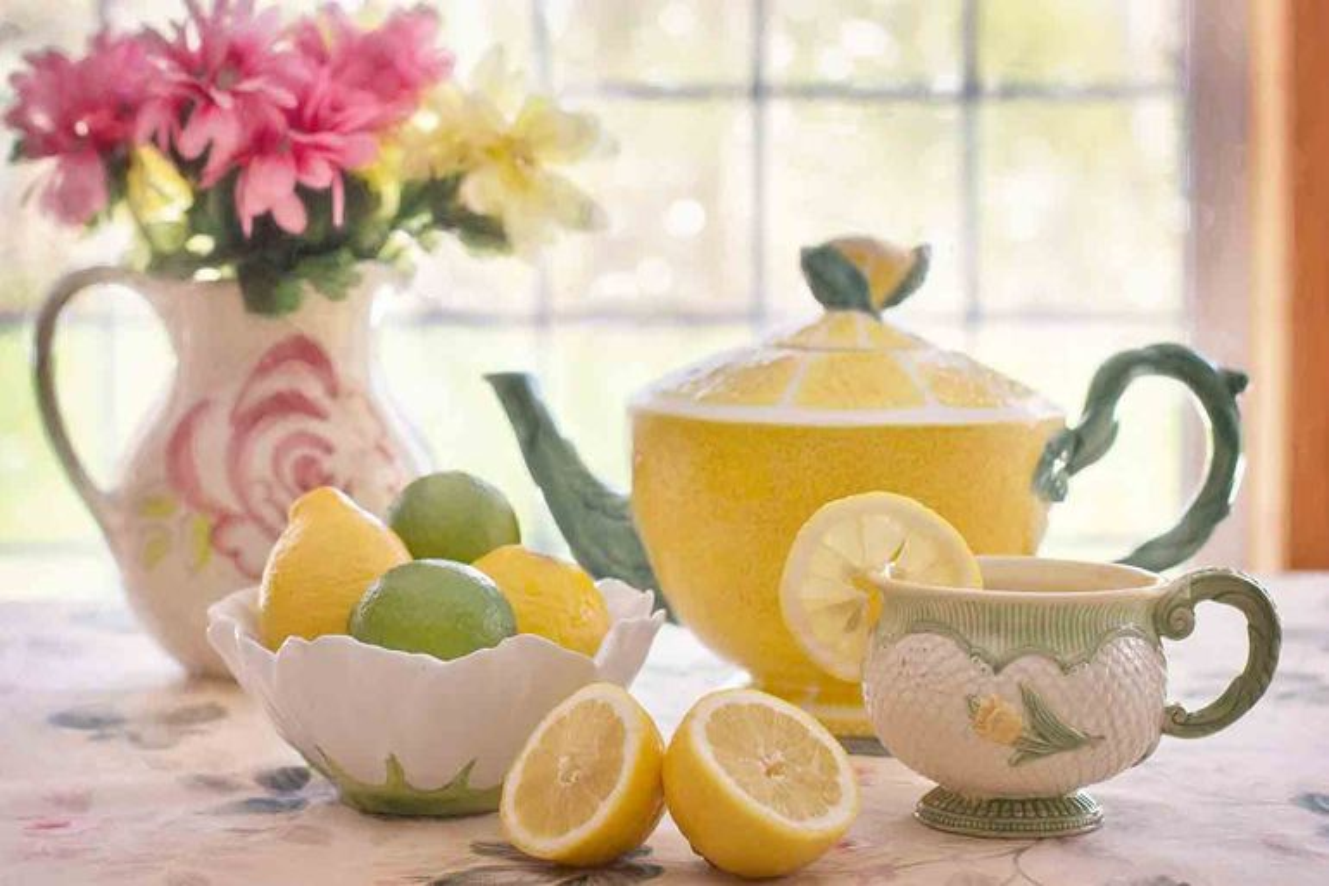 Acqua calda e limone: perché berli al mattino? - VIDEO