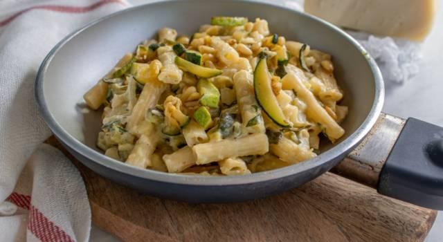 Pasta risottata alle zucchine: insolitamente cremosa