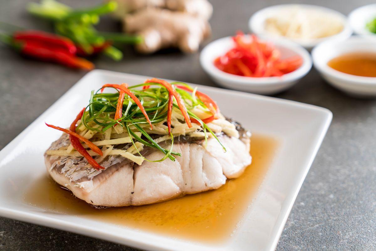 Come cucinare il pesce al vapore con la vaporiera: facile e gustoso