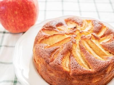 Torta di mele e yogurt: le 10 ricette più soffici in circolazione