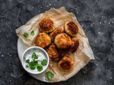Polpette di salmone e patate: la ricetta delle crocchette di pesce al forno