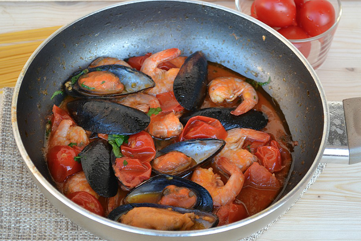 zuppa di cozze e gamberi