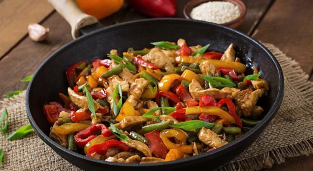 Pollo alla soia con verdure: pronto in 30 minuti!