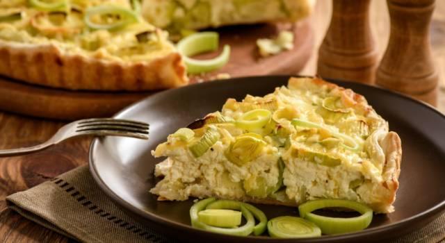 Torta salata con porri, noci e formaggio: davvero invitante!