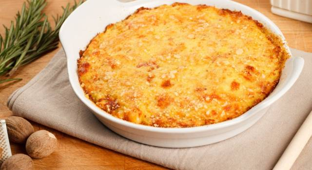 Torta di carciofi con crumble di patate: un piatto unico originale
