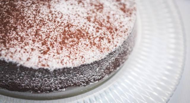 Voglia di cioccolato? Provate la torta tenerina: è irresistibile