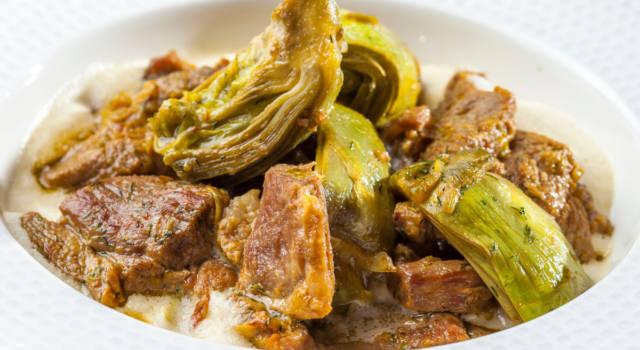 Agnello in umido con carciofi, olive e alloro