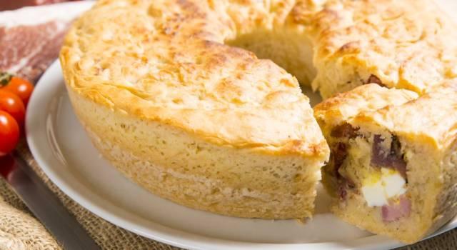 Tortano napoletano, la torta salata rustica che piace a tutti