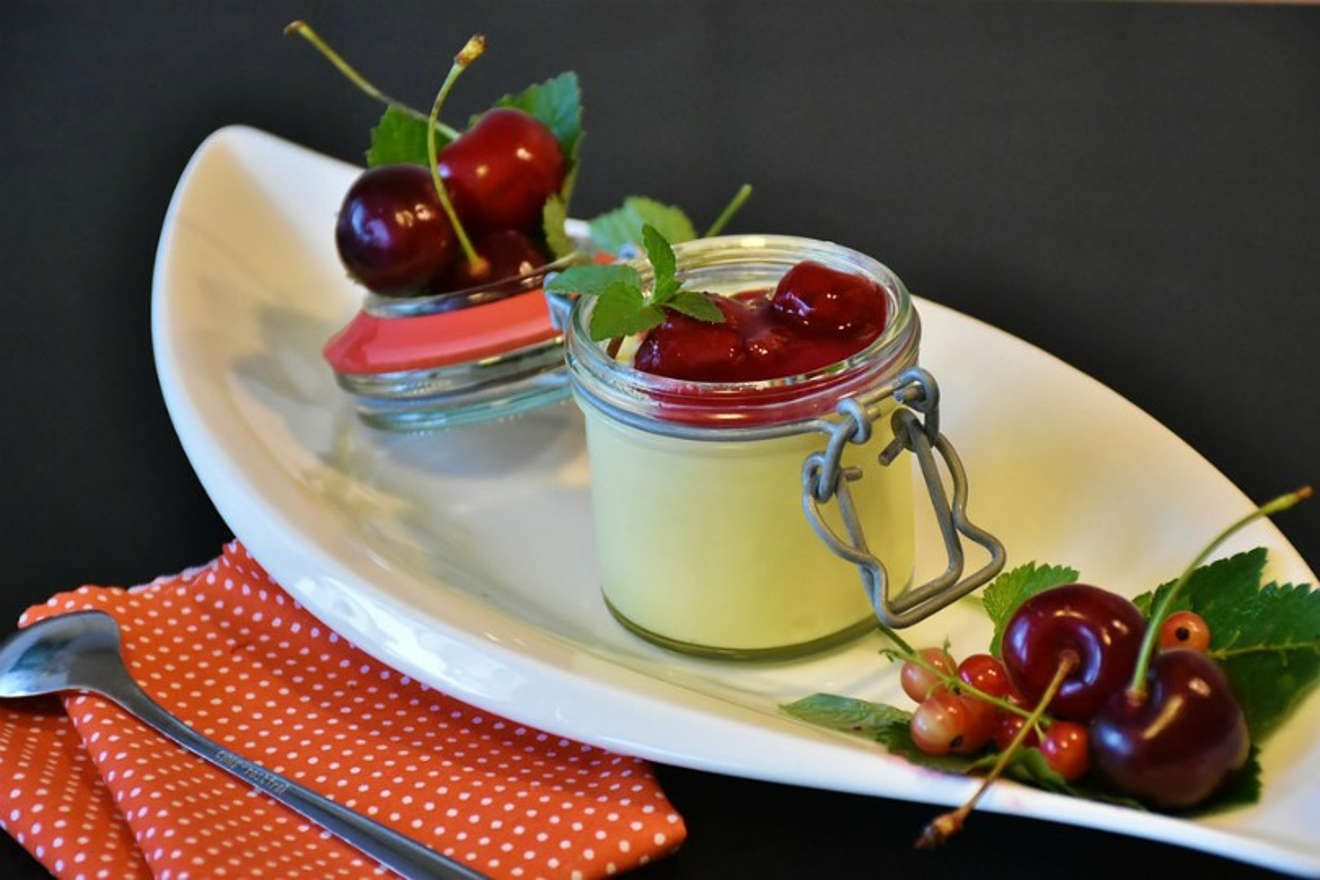 Budino vaniglia e ciliegie