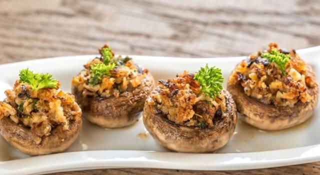 Funghi interi ripieni in padella, una bontà unica e vegetariana