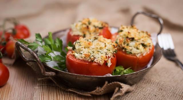 Pomodori ripieni di riso (facili e golosi)