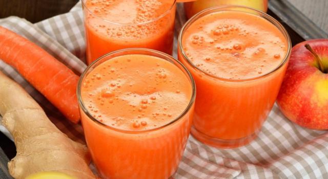 Centrifugato di carote, zenzero e mela: un concentrato di energia e vitamine!
