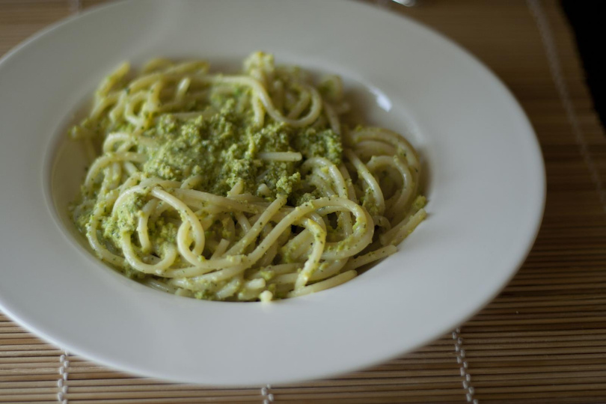 Spaghetti senza glutine al pesto di broccoli