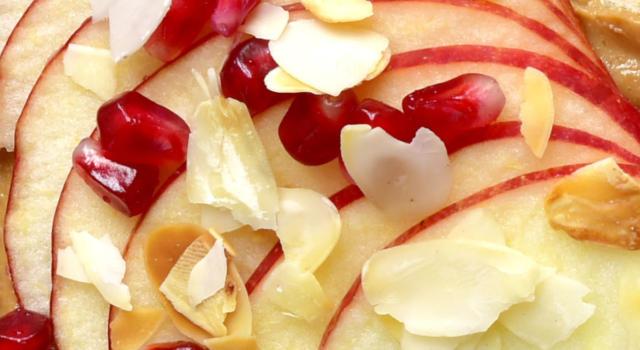 Carpaccio di mela con melograno: sano e rinfrescante