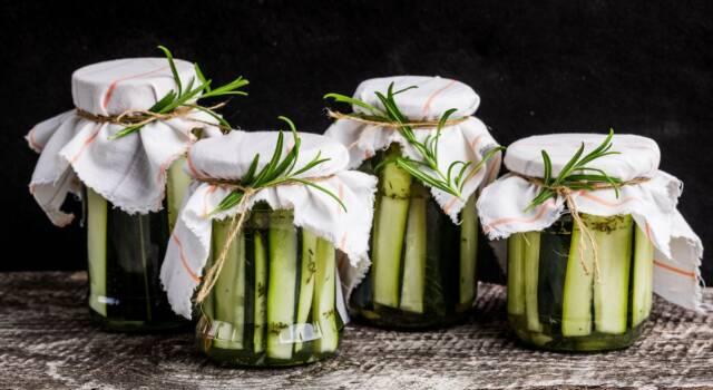 Cetrioli a fette sott'olio: la ricetta per una conserva perfetta