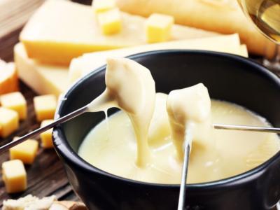 Fonduta di formaggio senza uova: ecco come si prepara