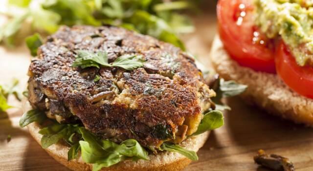 Hamburger di funghi: la ricetta del burger vegano gustoso!