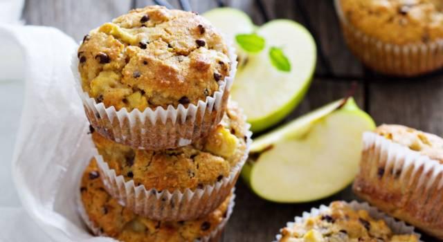 Muffin alle mele e yogurt con semi di chia: il dolce morbidissimo e leggero!