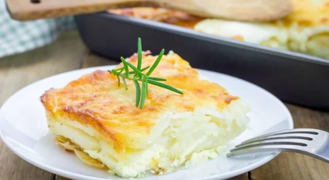 Parmigiana di patate con scamorza affumicata e prosciutto: che squisitezza!