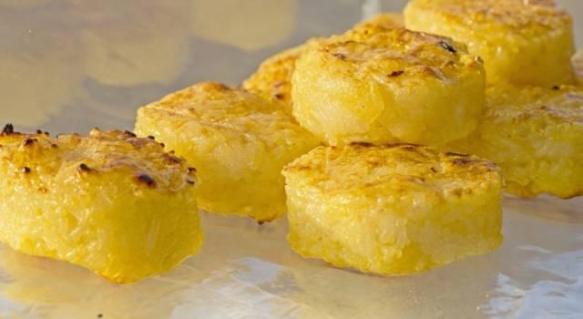 Sformatini di polenta al profumo di tartufo, perfetti come antipasto