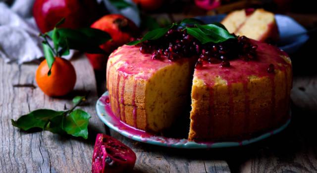 Torta al melograno: la ricetta per il dolce leggero e profumato!