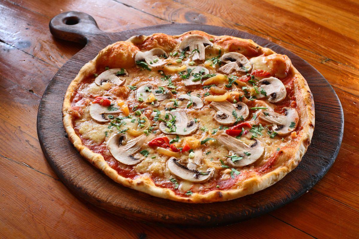 Pizza senza glutine ai funghi
