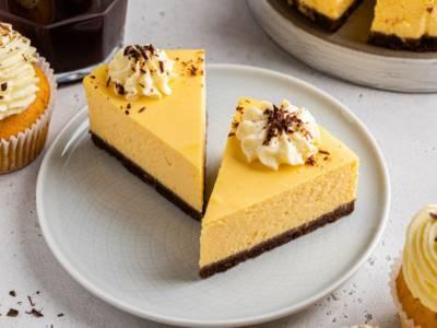 Cheesecake ai cachi: ricetta per un dolce autunnale