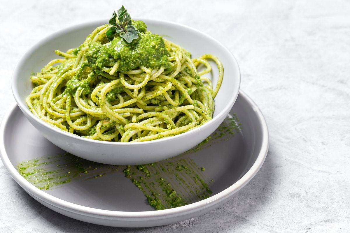Spaghetti al pesto di broccoli senza glutine