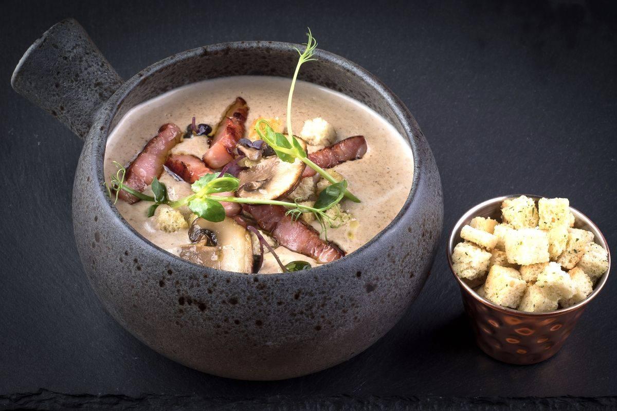 Crema di patate con funghi e pancetta